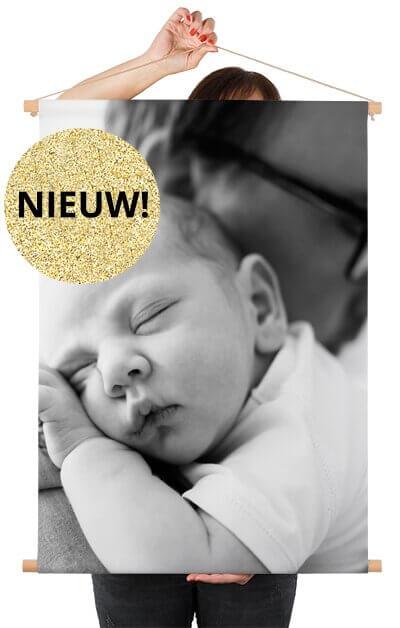Textielposter met latten met babyfoto